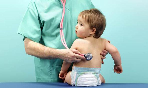 medico bambino laringospasmo